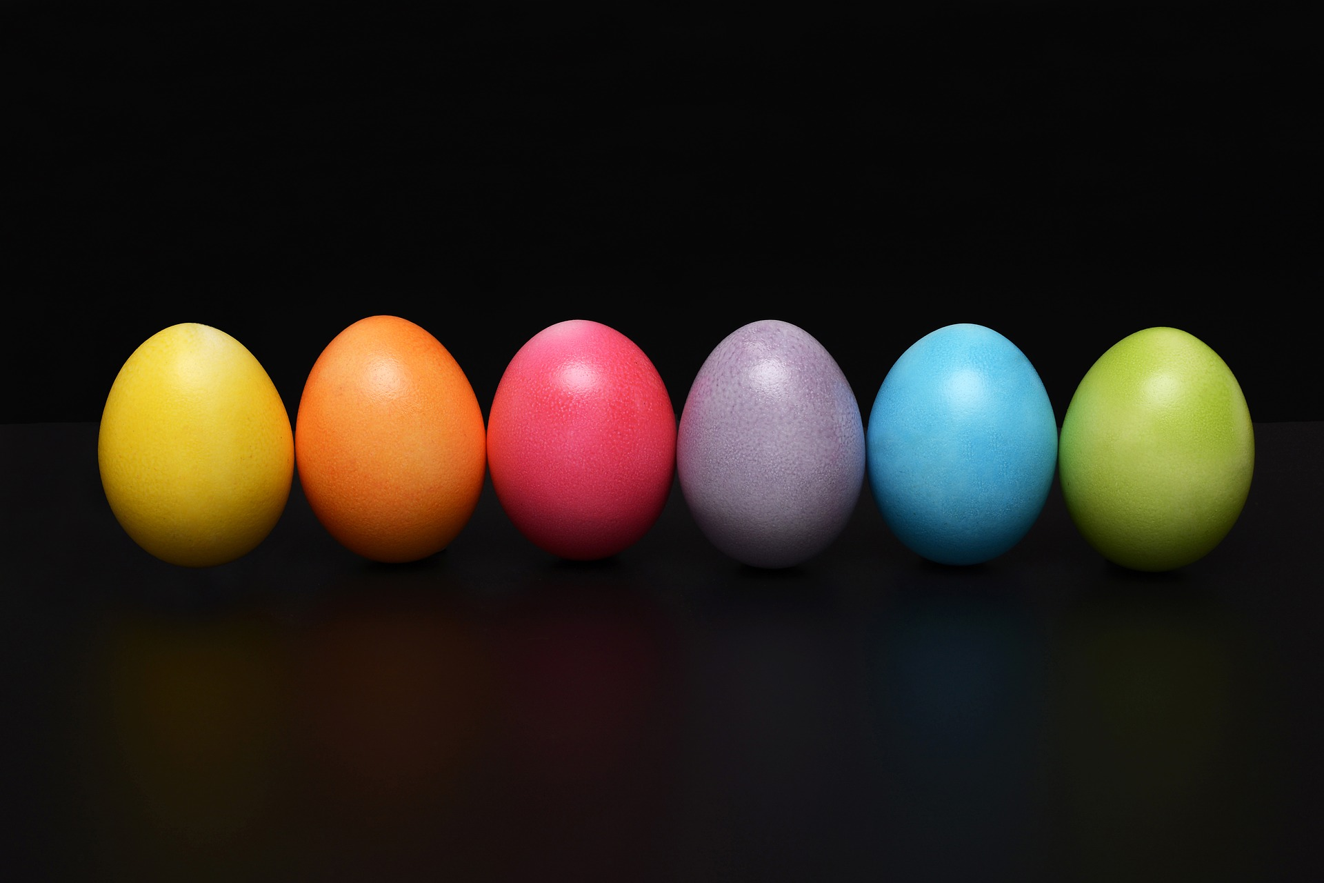 Our Riddle is about colors. The picture is of 6 different colored easter eggs.